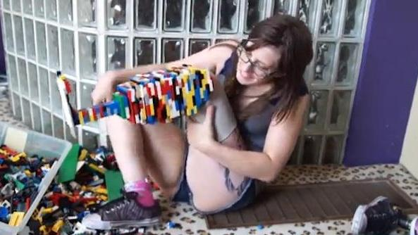 Amputee builds LEGO prosthetic leg