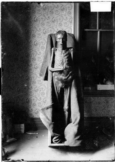 Mummified body found in Chicago 1903