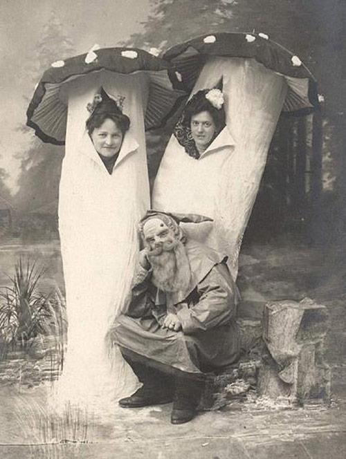 Creepy vintage halloween costume from Germany, 1920