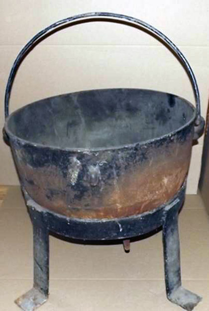 A cauldron that belonged to Ed Gein was bought by Ghost Adventures star Zak Bagans