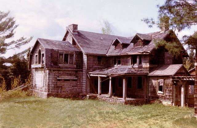 Ruins of the haunted Summerwind Mansion in Wisconsin