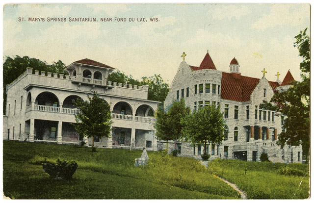 A vintage postcard of St. Mary's Springs sanitarium in Fond du Lac