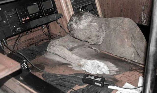 Mummified captain Manfred Fritz Bajorat drifted on ghost ship for seven years.