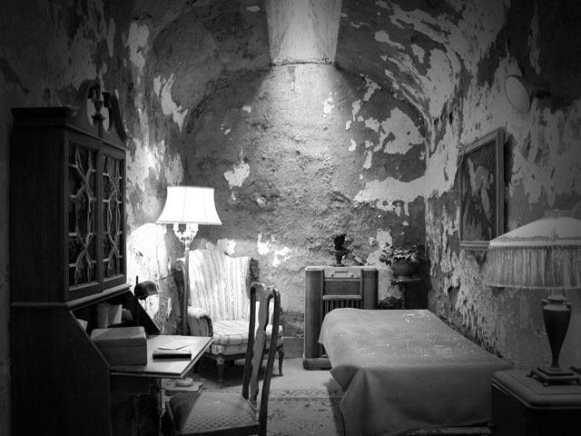 The cell of Al Capone in Eastern State Penitentiary