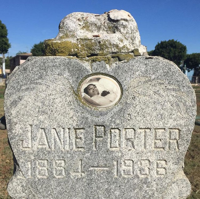 The gravestone of Janie Porter with a postmortem photo of the deceased