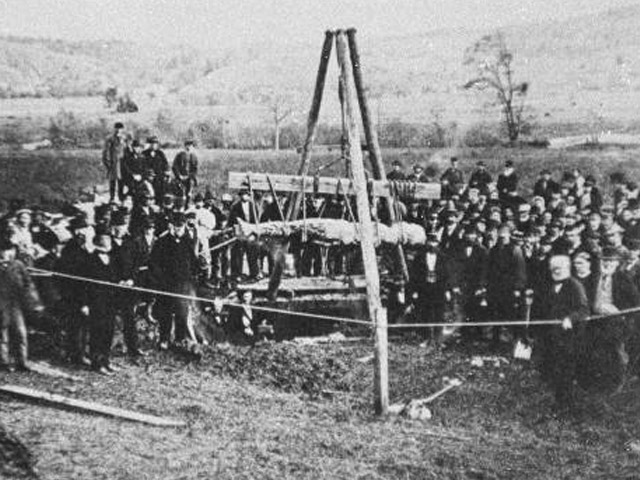 Exhuming the Cardiff Giant, October 1869