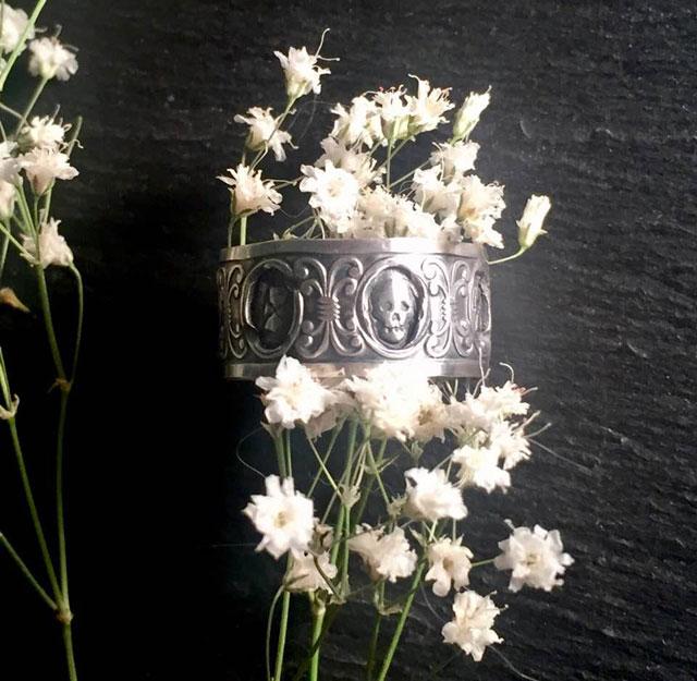 Sterling skull and hourglass memento mori ring
