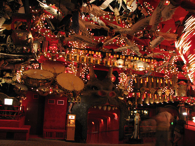 Down the Devil's throat in the House on the Rock